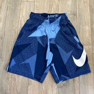 NIKE Boys Basketball Shorts Size Small